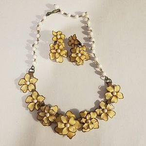 Vintage Daisy Costume Jewelry Set